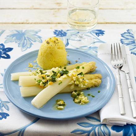 Spargel mit Zitronen-Stampfkartoffeln, Ei und Kresse (Cornelia Poletto) Rezept