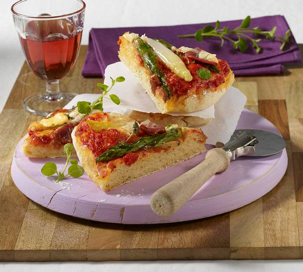 spargel pizza mit parmaschinken rezept chefkoch rezepte auf kochen backen und. Black Bedroom Furniture Sets. Home Design Ideas