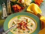 Spargelcremesuppe mit Brotwürfel und Schinken Rezept