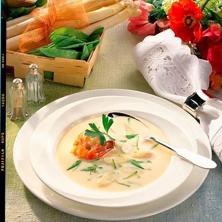Spargelcremesuppe mit Garnelen Rezept