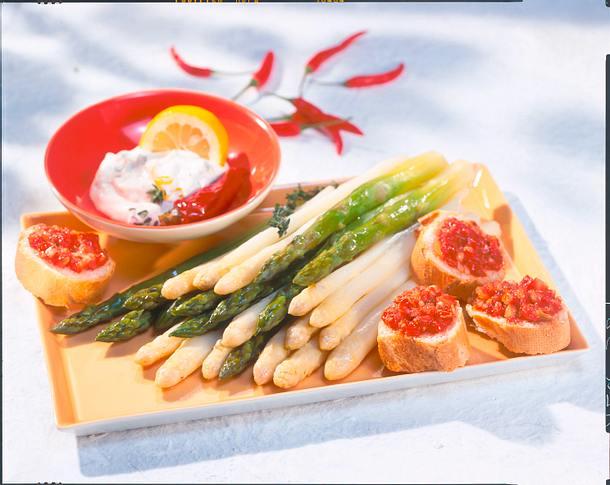 Spargelplatte mit Crostini Rezept