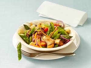Spargelsalat mit gegrillten Hähnchenfilets Rezept