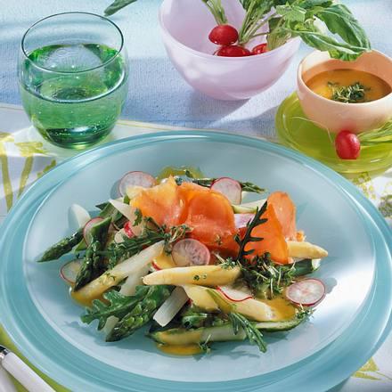 Spargelsalat mit Lachs Rezept