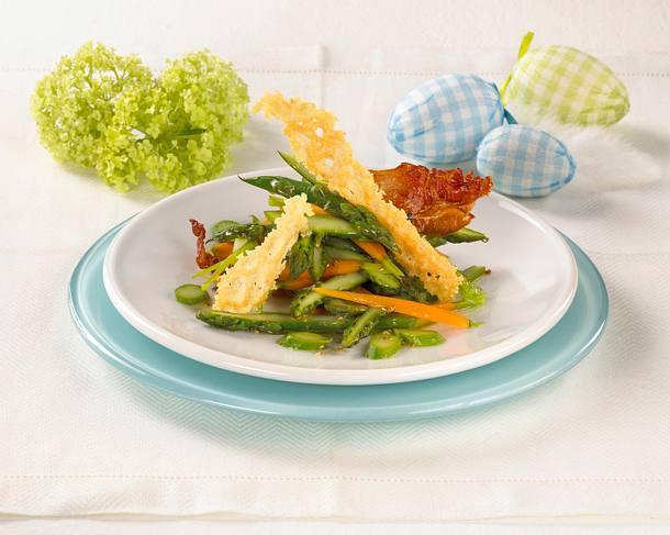 Spargelsalat mit Parmesan-Chips Rezept