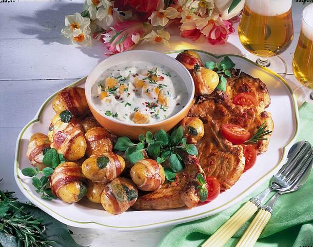 Speck-Kartoffeln zu Koteletts & Joghurtsoße Rezept