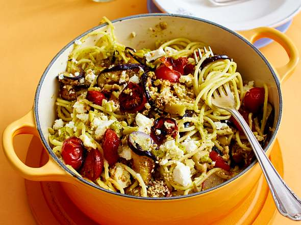 Speedy Spaghetti Greek Style Rezept
