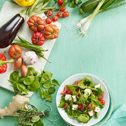 spinat bohnen salat mit tomaten und schafsk se rezept chefkoch rezepte auf kochen. Black Bedroom Furniture Sets. Home Design Ideas