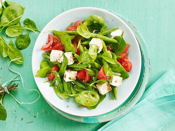 Spinat-Bohnen-Salat mit Tomaten und Schafskäse Rezept