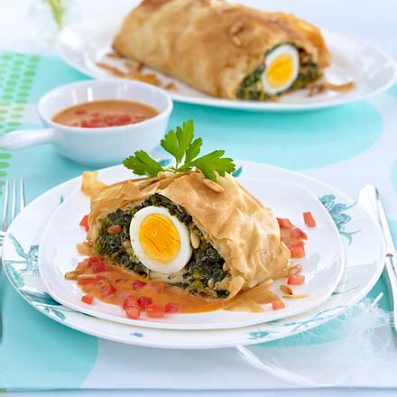 Spinat-Ei-Strudel mit Tomatensahne Rezept