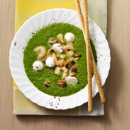 Spinatsuppe mit Pilzen und Shrimps Rezept