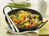 Spitzkohl aus dem Wok mit Steakstreifen Rezept