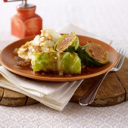 Spitzkohl-Röllchen mit Selleriepüree Rezept