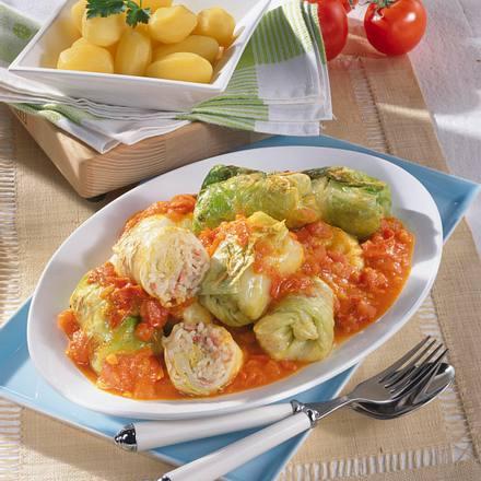 Spitzkohlröllchen in Tomaten-Curry Rezept