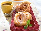Spritzgebäck (Churros) mit Aprikosen und Schokoladensoße Rezept