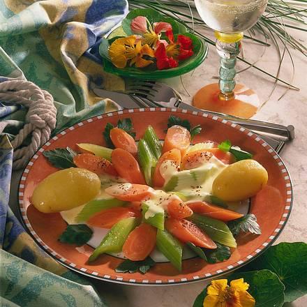 Staudensellerie Möhren Gemüse Mit Käsesoße Für 4 Personen Rezept