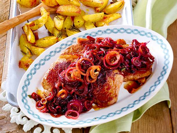 Steak Frites mit karamellisierten Zwiebeln Rezept