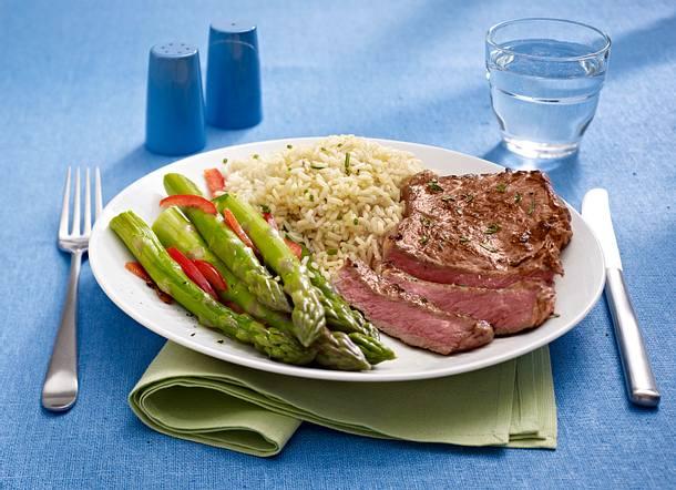 Steak mit Spargelspitzen Rezept