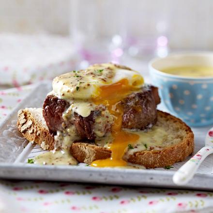 Steaks à la Egg Benedict Rezept