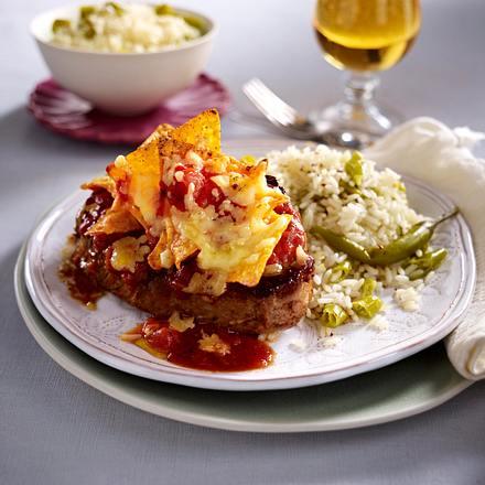 Steaks mit Tomaten-Nacho-Kruste und Peperonireis Rezept