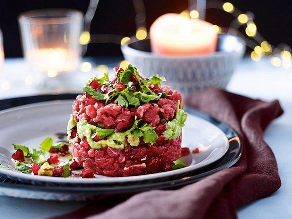 Steaktatar mit Avocado und Granatapfel Rezept