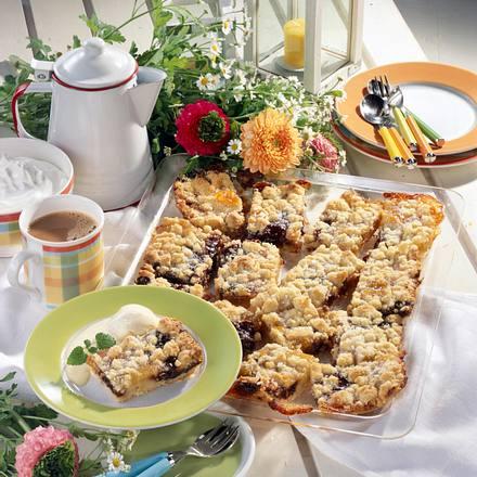 Streuselkuchen mit dreierlei Obst Rezept