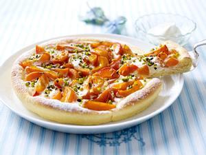 Süße Aprikosen-Pizza mit Pistazien (Johann Lafer für tina) Rezept