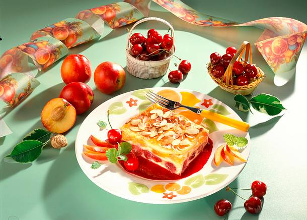 Süße Lasagne mit Kirschen und Pfirsiche Rezept