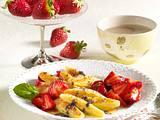 Süße Mohnschupfnudeln mit marinierten Erdbeeren Rezept