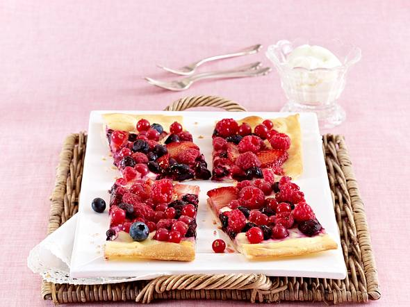 Süßer Beeren-Flammkuchen Rezept