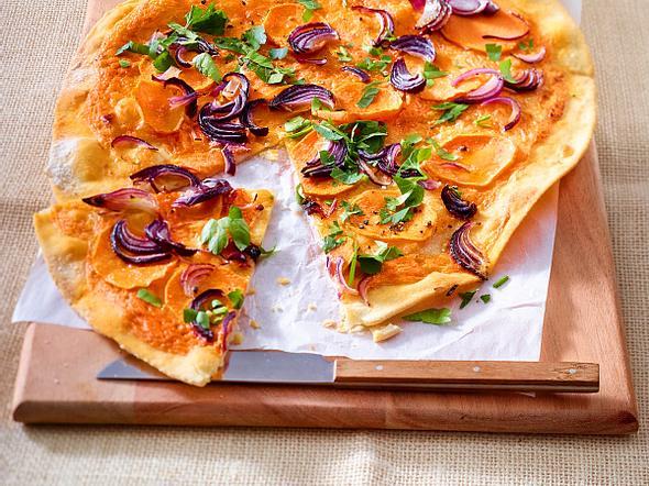 Süßkartoffel-Flammkuchen mit Harissacreme Rezept