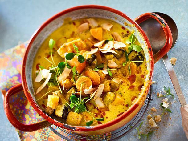 Süßkartoffelcurry mit Möhren und Aubergine Rezept