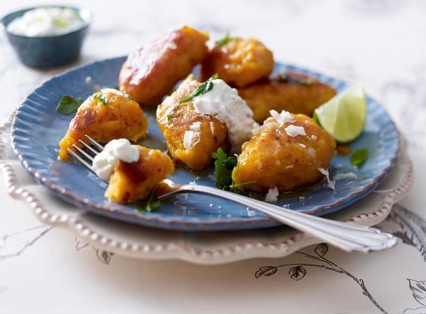 Süßkartoffelnocken mit Salbeibutter und Limettendip Rezept