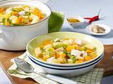 Suppe mit Kartoffeln, Gemüse, Linsen, Hähnchen und Gewürzen Rezept