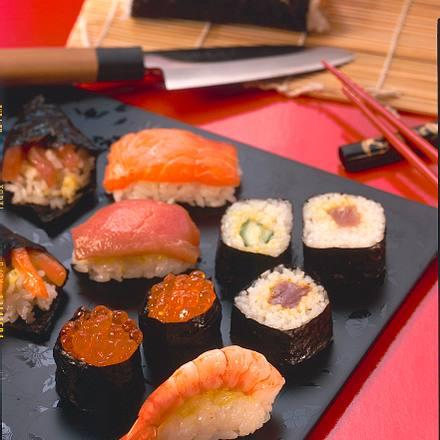 sushi japan rezept chefkoch rezepte auf kochen backen und schnelle gerichte. Black Bedroom Furniture Sets. Home Design Ideas