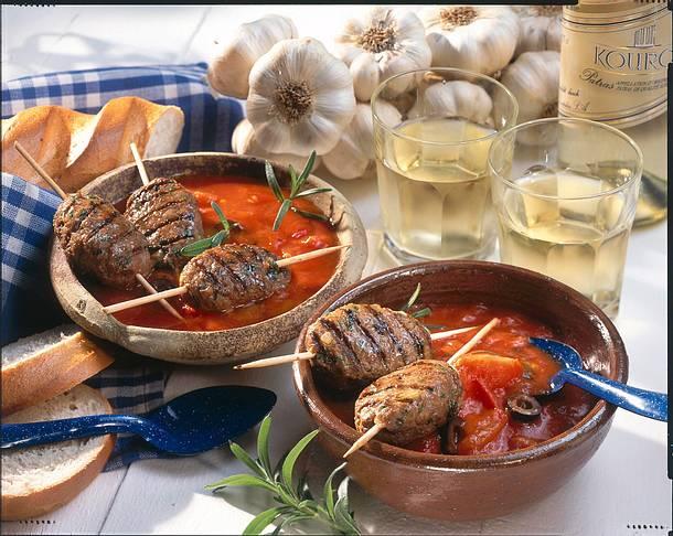 Susukakia (Hackfleischröllchen in Tomatensoße) Rezept