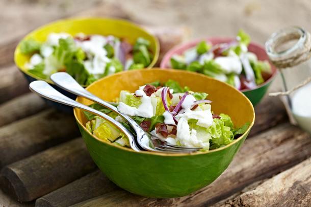 sylter caesar salad mit doppelt k se rezept chefkoch rezepte auf kochen backen. Black Bedroom Furniture Sets. Home Design Ideas