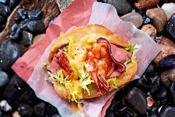 Sylter Fischbrötchen Surf-Garnele Rockt Turf-Roastbeef Rezept
