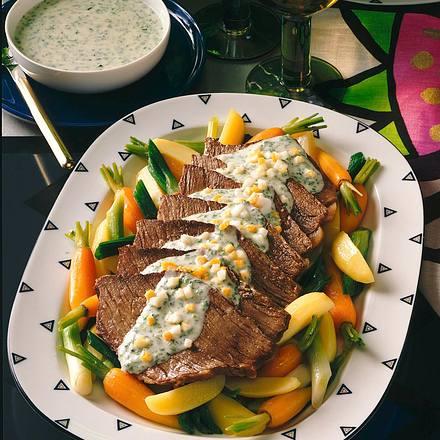 Tafelspitz auf jungem Gemüse mit Kräuter-Meerrettich Rezept