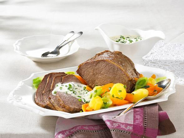 Tafelspitz mit Schnittlauchcreme und Bouillon-Gemüse Rezept