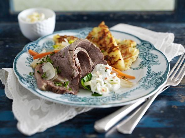Tafelspitz mit Wasabi-Apfel-Salsa und Kartoffel-Zwiebel-Rösti Rezept