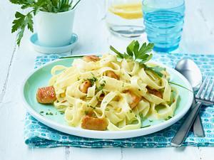 Tagliatelle al limone (Bandnudeln mit Zitronen-Soße) Rezept