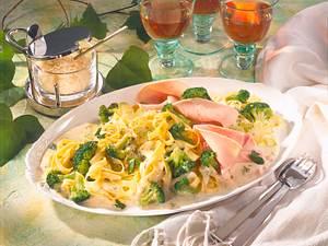 Tagliatelle in Broccoli-Rahm Rezept