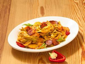 Tagliatelle in Chorizo-Paprikasoße (Pastasoße) Rezept