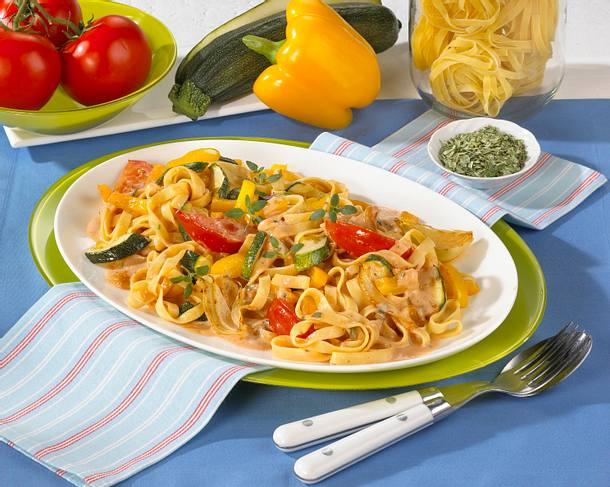 Tagliatelle mit Gemüsesoße Rezept