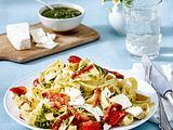 Tagliatelle mit Tomaten und Speck Rezept