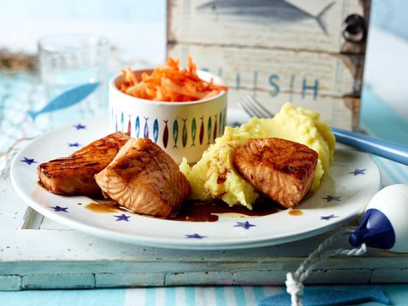 Teriyaki-Lachs mit Kartoffelpüree und Möhrensalat Rezept