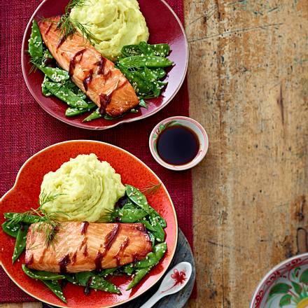 Teriyaki-Lachs mit Wasabi-Kartoffelstampf und Sesam-Zuckerschoten Rezept
