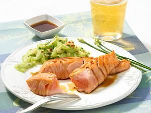 Teriyaki mit Lachs und Gurkensalat Rezept
