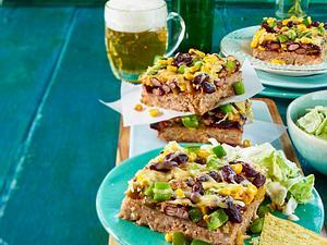 Tex-Mex-Hackbraten vom Blech mit Tortillachips Rezept