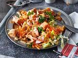 Thai-Papaya-Salat mit Lachs und Erdnussdressing Rezept